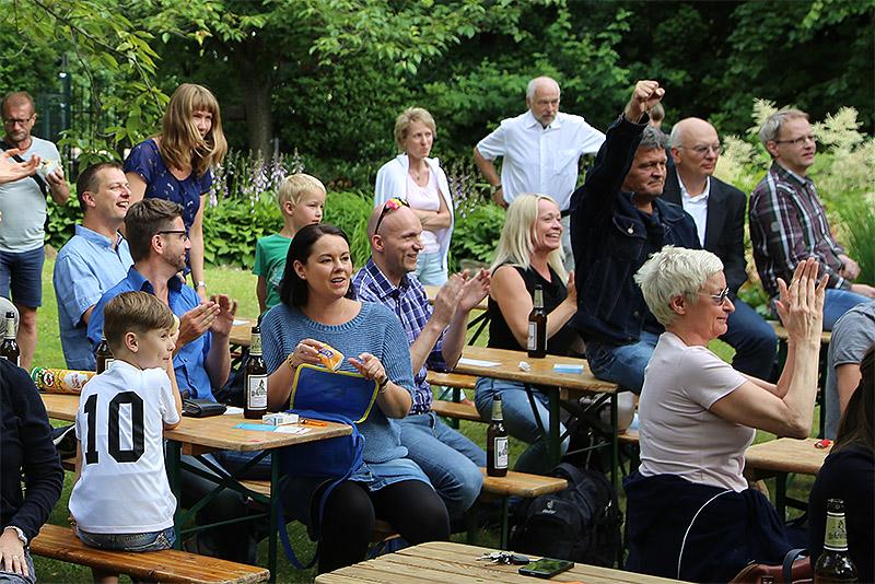 Public Viewing , Deutschland schießt das Tor!